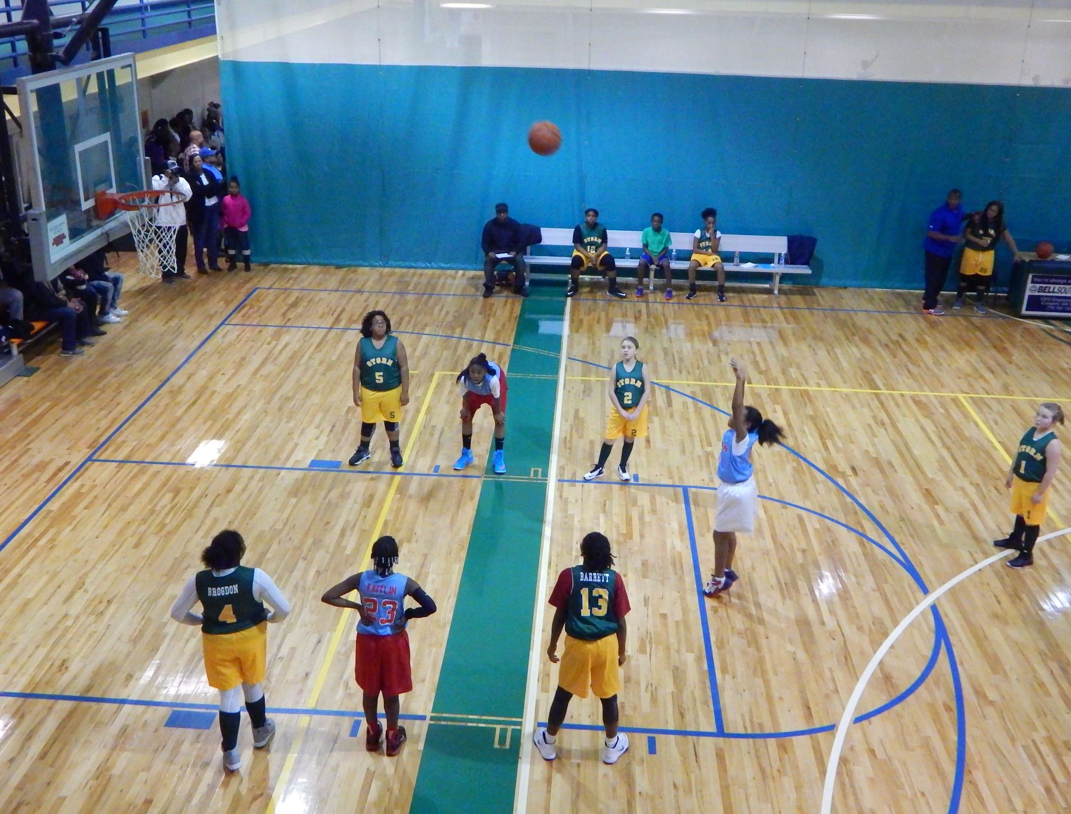 Young kids basketball game